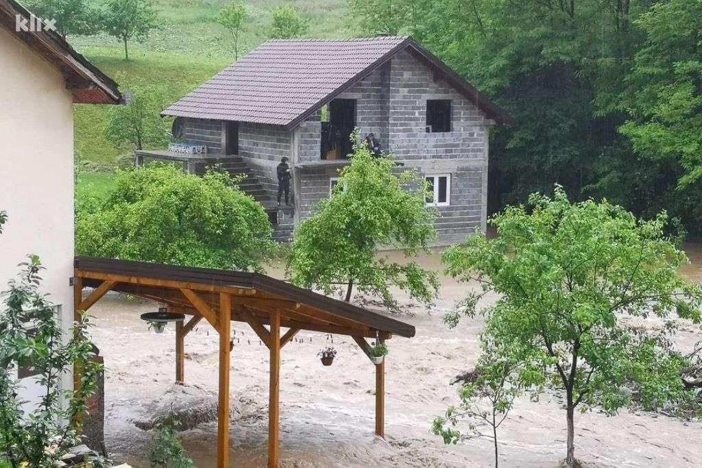 rijeka fojnica kod maglaja poplavila kuće i njive