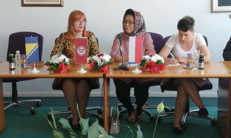 predavanjima ambasadorice indonezije završen ljetni univerzitet tuzla