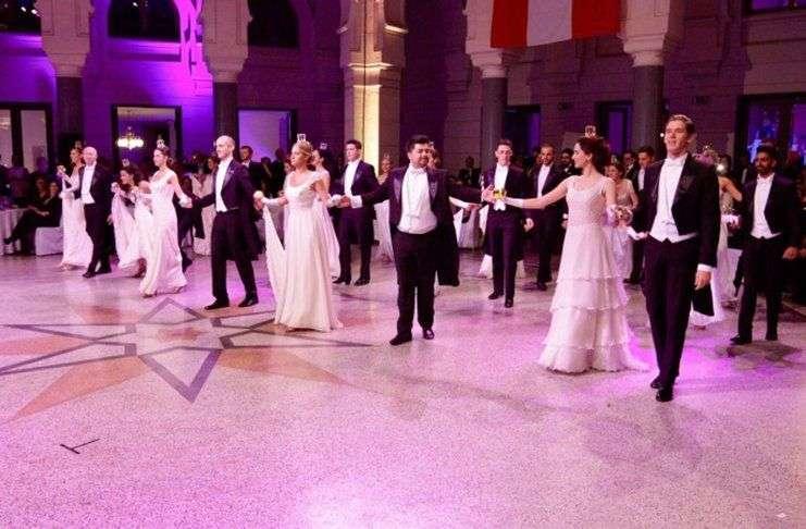 sutra u vijećnici treći austrijski bal u sarajevu