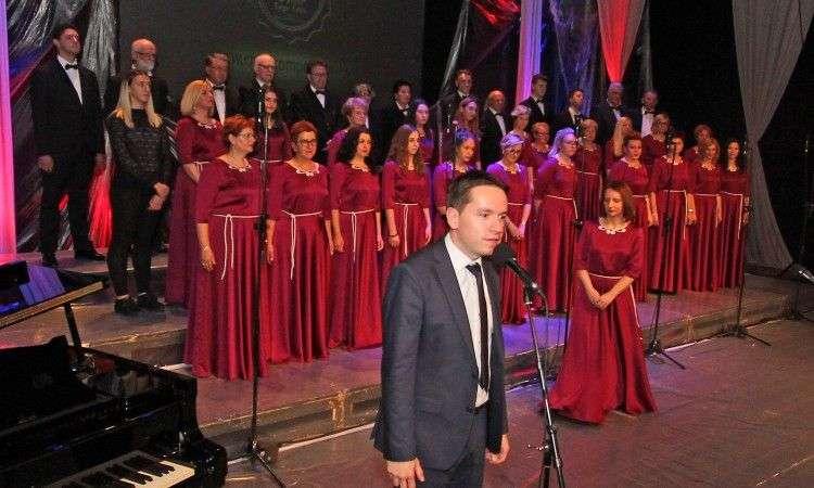u tuzli počeo horski šampionat 'lege artis', više od 1.000 horskih pjevača