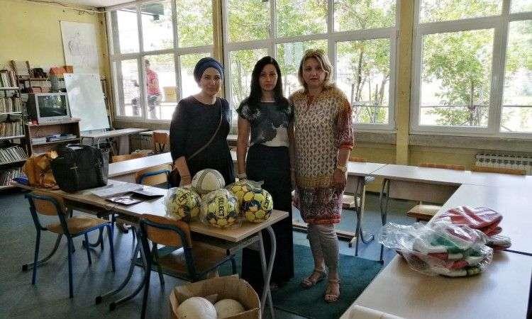 sportska oprema školama u okviru projekta 'život nije instagram - vježbaj'