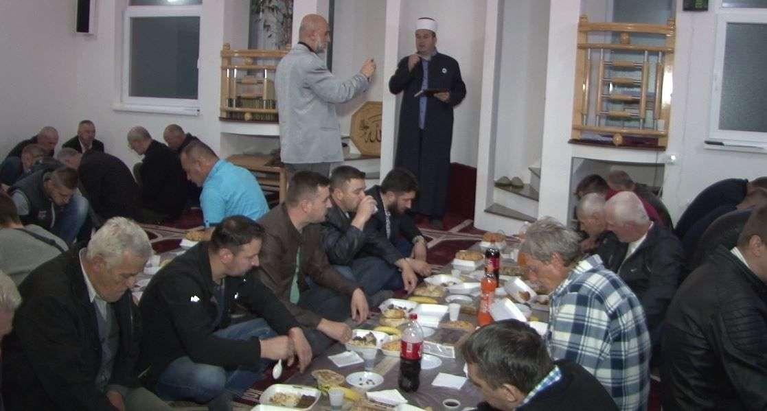 (video) upriličen zajednički iftar u džematu rostovo