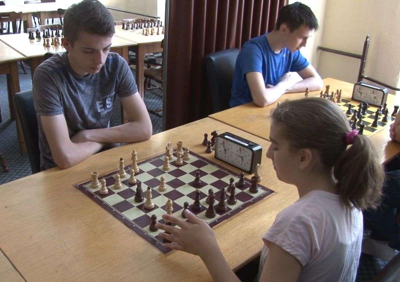 (video) šk travnik: odigran jubilarni 25. šahovski turnir