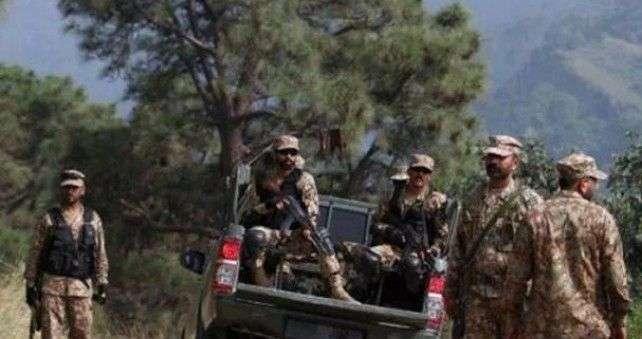 bomba ubila četiri pakistanska vojnika