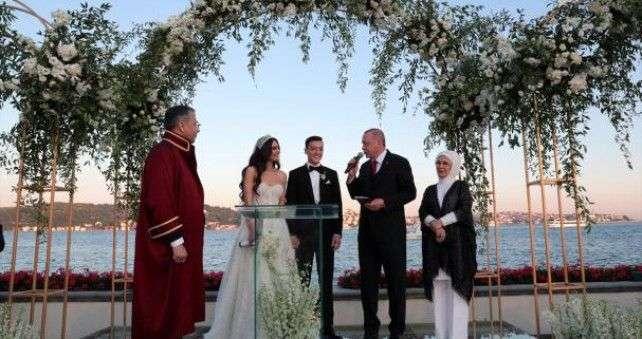 erdogan bio svjedok na vjenčanju mesuta ozila