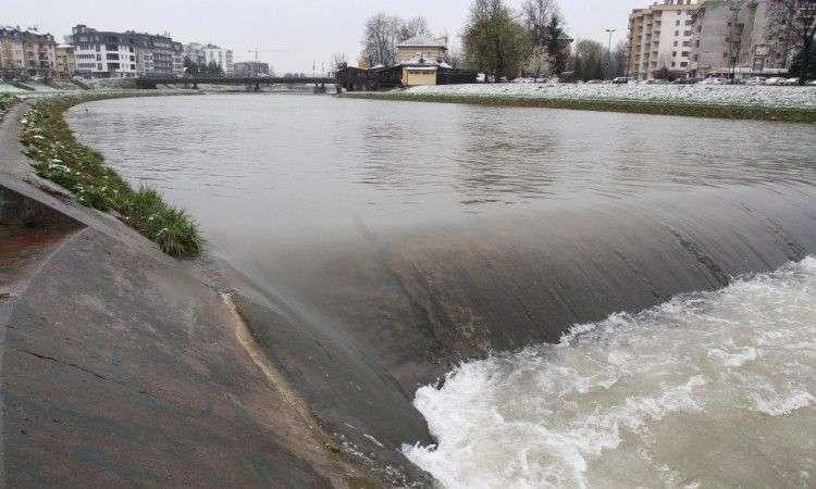 vodostaj na brani ha modrac stagnira, u porastu na rijeci spreči