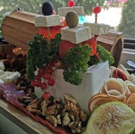 uz novi président salakis traditional uživajte u mediteranskom zadovoljstvu / zreli sir u kriškama u praktičnom pakovanju sa cjediljkom