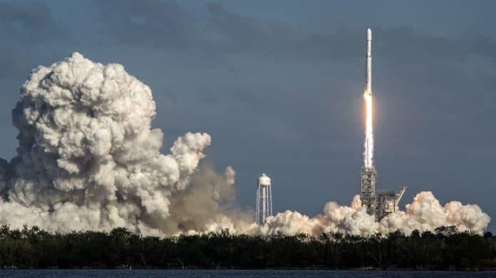 SpaceX priprema prvo lansiranje rakete u orbitu s ljudskom posadom