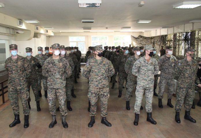 """KASARNA """"TRAVNIK"""" / Završena obuka za 47 novih podoficira"""