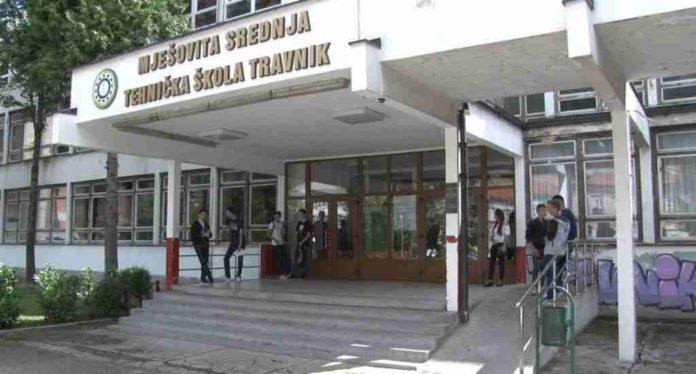 Sve manje učenika u srednjim školama / U SBK počelo formiranje odjeljenja