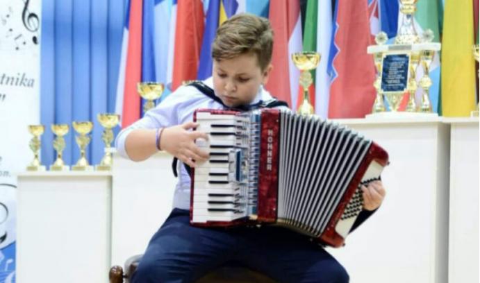 Snimio prvi spot: Tako to radi 10-godišnji virtuoz iz Bijeljine (VIDEO)