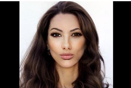 """Lik je pomoću Photoshopa stvorio """"savršenu ženu"""", pogledajte kako je na kraju izgledala"""