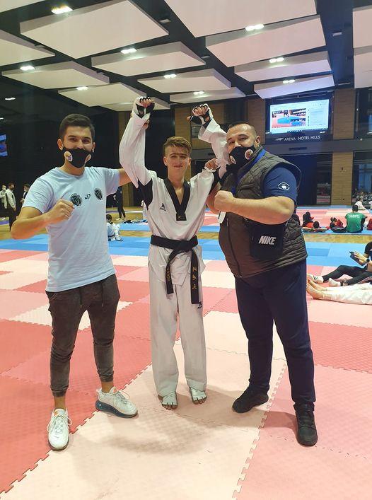 """novo priznanje članu taekwondo kolektiva """"bosna"""" / fahrudin adilović prvak evrope"""