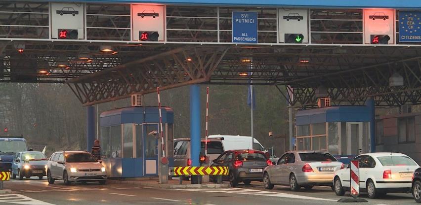 pojačan promet vozila na graničnim prelazima hum, zupci i deleuša