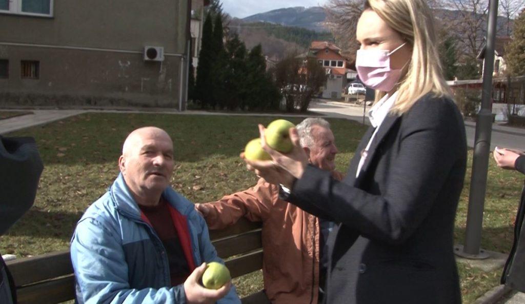 (FOTO/VIDEO) Apoteka B Pharm obilježila Svjetski dan borbe protiv raka