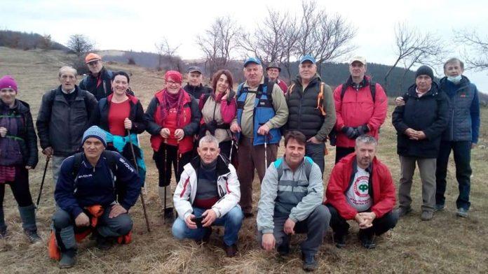 FOTO: Čolanovci s prijateljima obilježili svoj dan