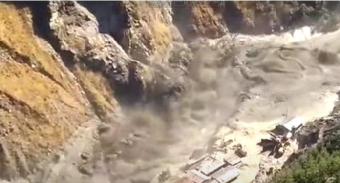Odnesena brana, nestalo oko 150 ljudi