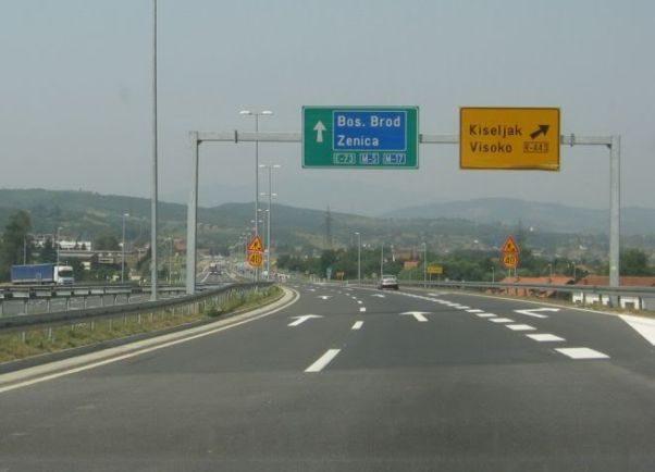 Radovi na dionici autoputa Lašva-Kakanj, usporeno saobraćanje