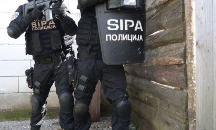 SIPA / Nastavljene operativne aktivnosti na terenu, pretresi na više lokacija