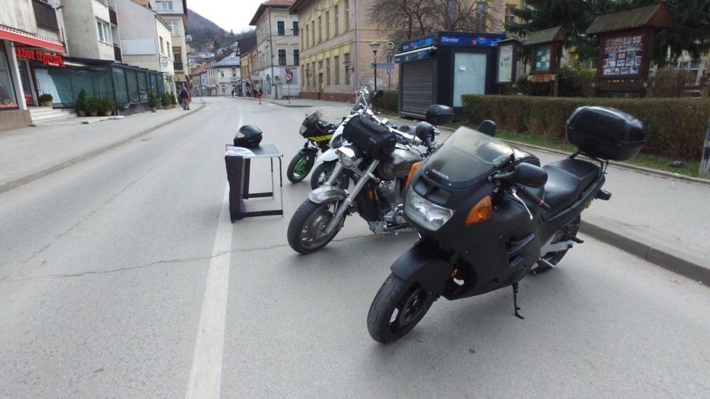 "Moto klub ""Old town"" / Izložba motocikala u Travniku"