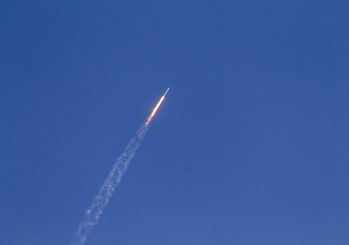 Irak napao SAD - Deset raketa palo na američku vojnu bazu u Iraku