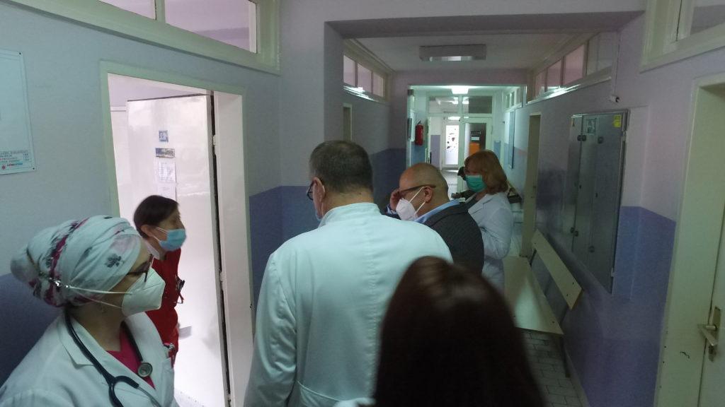 """Masovna vakcinacija u Travniku / Otvoren punkt u sali KŠC """"Petar Barbarić"""""""