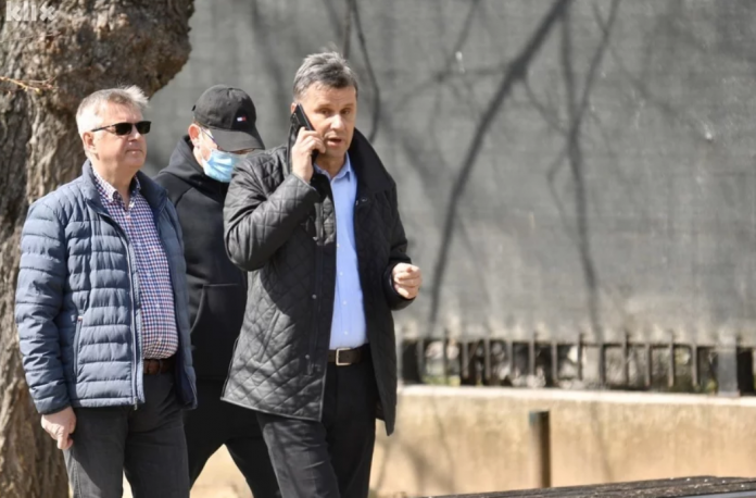 """Fikret Hodžić pisao Novaliću: """"Asim mi je rekao da vam se javim oko respiratora"""""""
