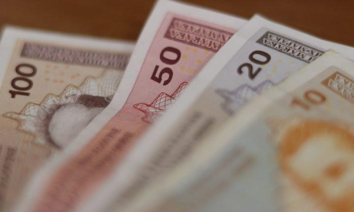 Prosječna plaća u februaru 961 KM