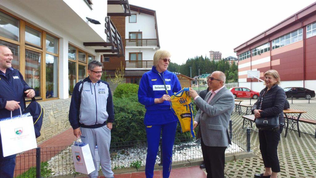 (FOTO) Dautović posjetio žensku košarkašku reprezentaciju BiH na Vlašiću