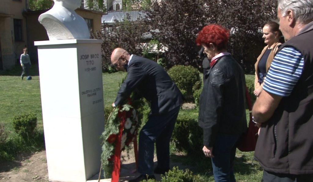 (FOTO) U Travniku odata počast Josipu Brozu Titu