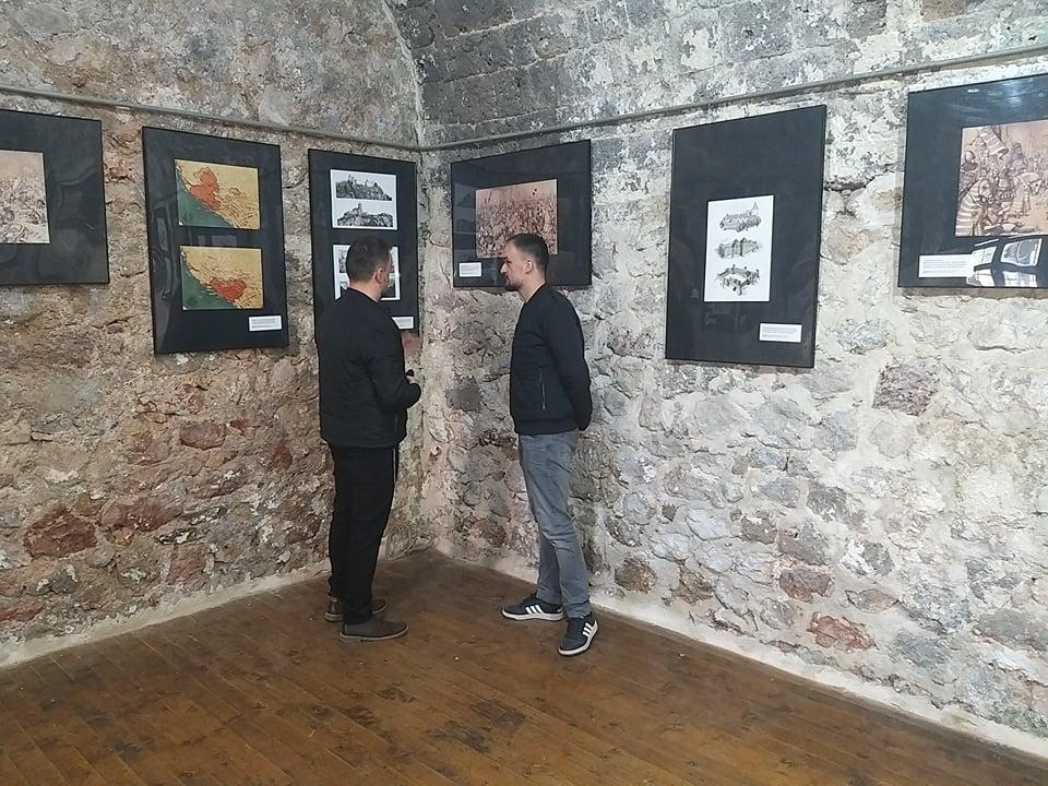 (FOTO) U povodu 3. juna – Prvog spomena Travnika upriličena izložba historijskih ilustracija