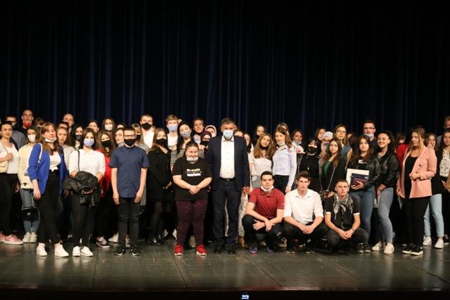 Gradonačelnik Kasumović upriličio prijem za najbolje maturante