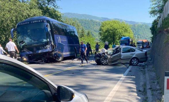 Jedna osoba poginula u teškoj saobraćajnoj nesreći kod Zenice
