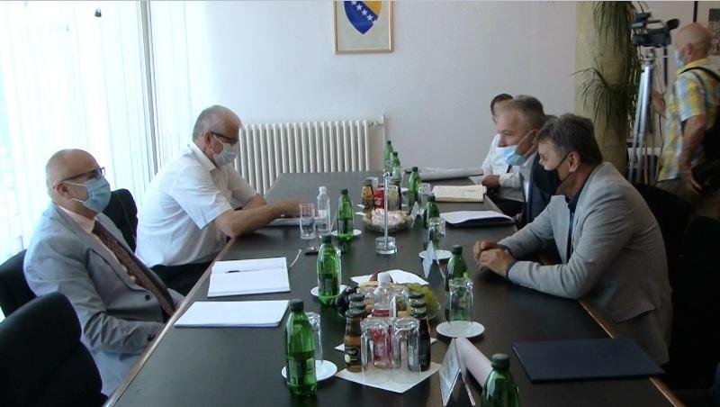 načelnik dautović ponovno ugostio premijera novalića/ tri važna projekta tema sastanka u travniku