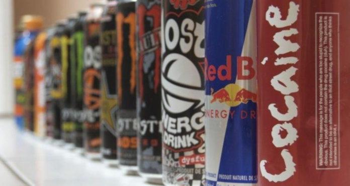 Stručnjaci složni: Treba zabraniti energetske napitke za maloljetnike