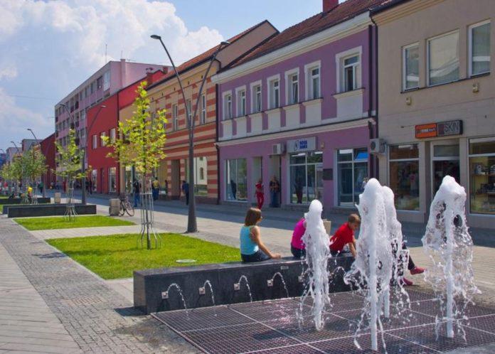 Kolektivna dženaza u Prijedoru 20. jula