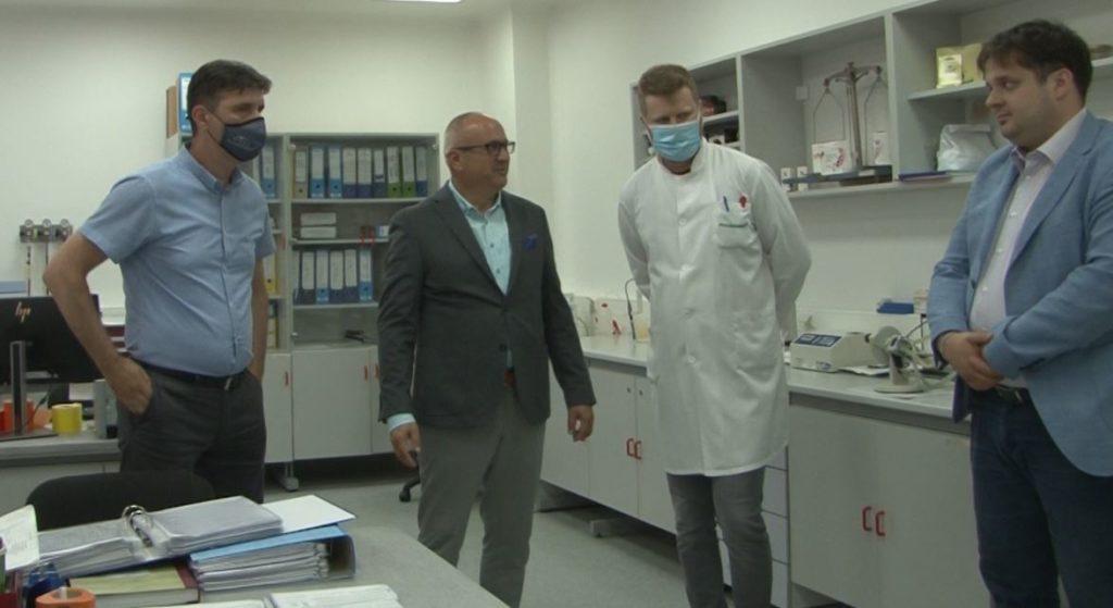 """(FOTO) Kenan Dautović posjetio travničku kompaniju """"Pharmamed"""""""