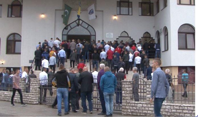 Bajram namaz u Čaršijskoj džamiji u Novom Travniku