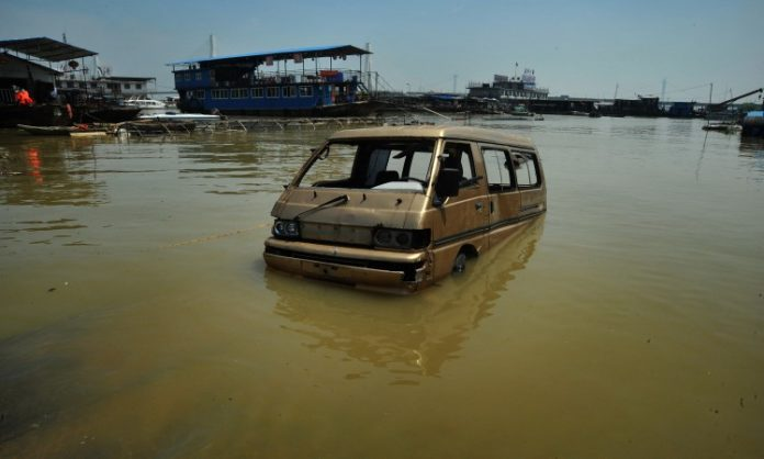 U poplavama u Kini najmanje 25 poginulih