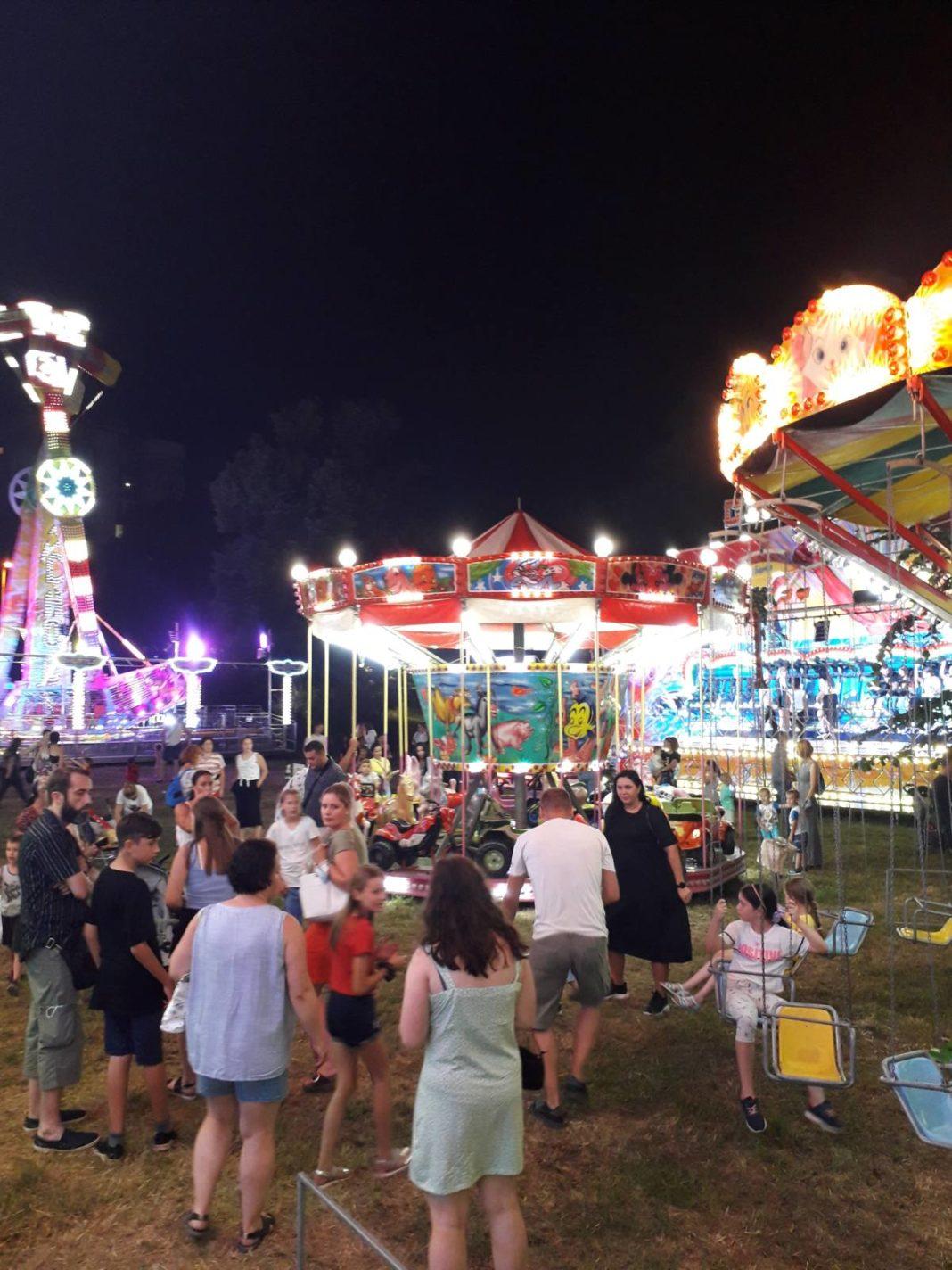 svjetla luna parka 'europa' u tuzli: zagarantovana zabava za sve mališane