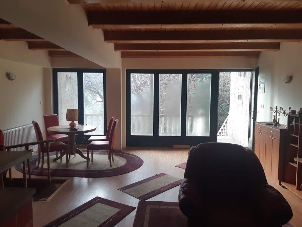 (FOTO) TRAVNIK/KALIBUNAR - Na prodaju stambeno-poslovna kuća s 4 zasebna stana, poslovnim prostorima...