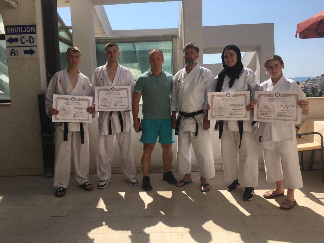 """četiri majstorska zvanja za karate klub """"mladost"""" vitez"""