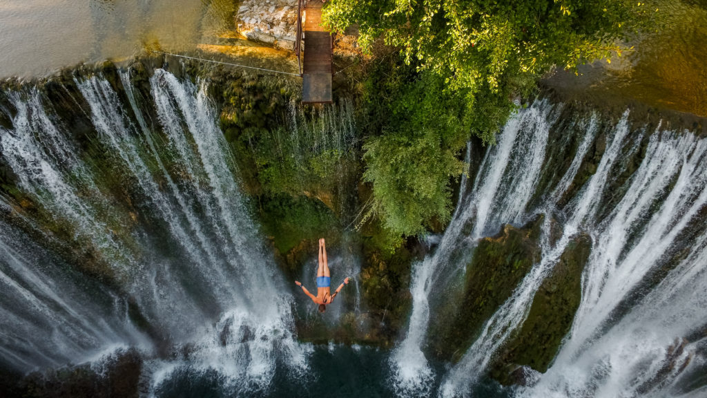 (foto/video) jajce / u subotu 14. augusta 6. međunarodni skokovi s vodopada