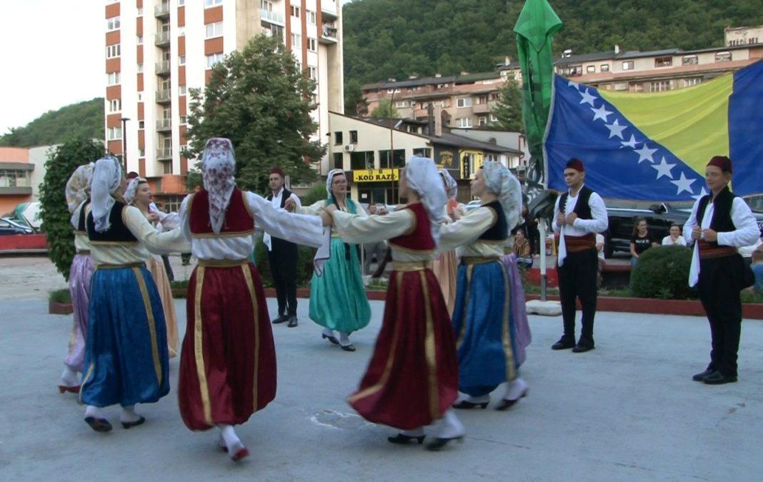 ansambl bosnia folk gostovao u novom travniku