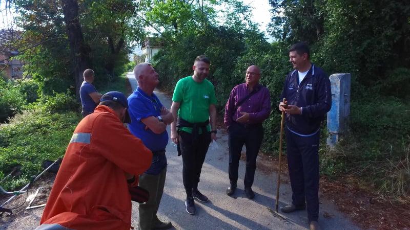 (foto/video) dautović posjetio učesnike akcije čišćenja u mz turbe