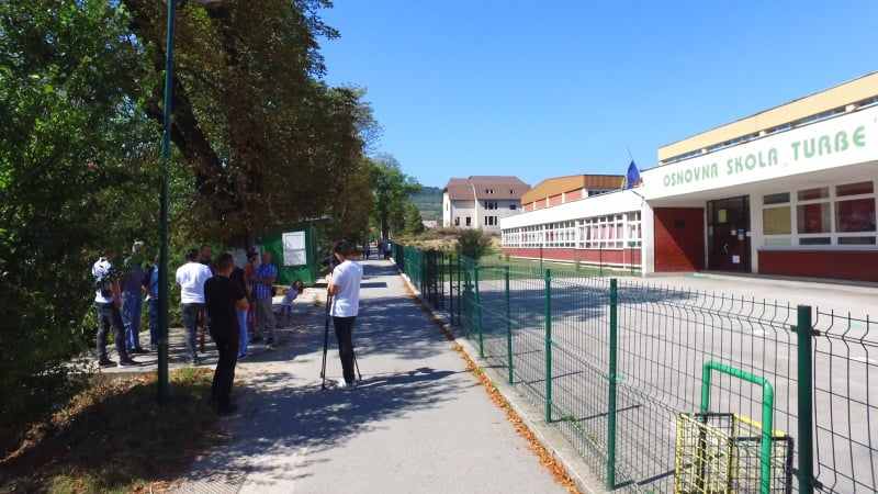 """(foto) iz turbeta poručeno """"djeca u svim školama moraju imati bolju sigurnost"""""""