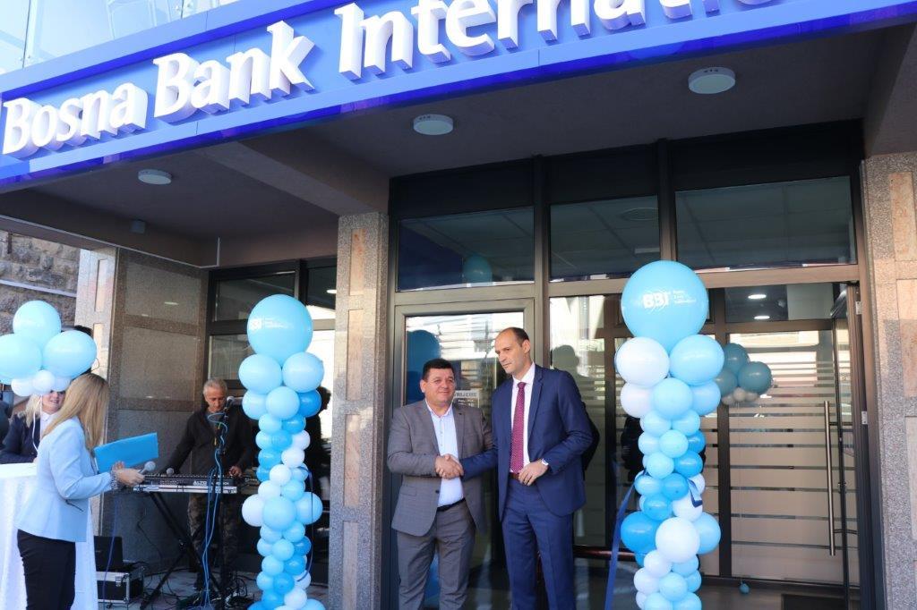 (foto) otvorena 37. poslovnica - bbi banka od danas i u bužimu