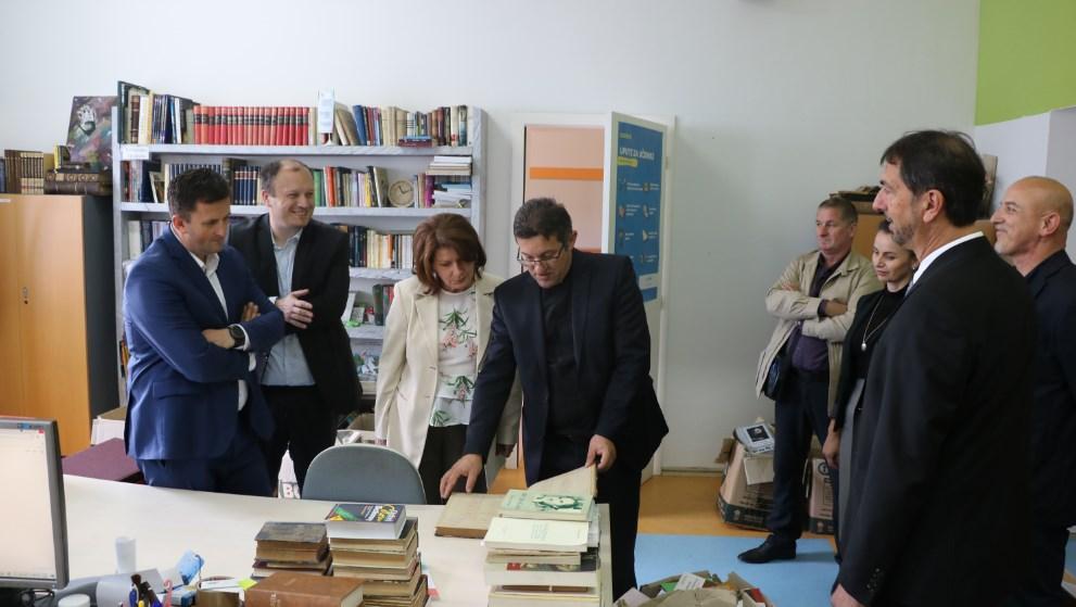 """(FOTO) Predsjednik Federacije BiH i predstavnici Vlade SBK u posjeti KŠC """"Petar Barbarić"""""""