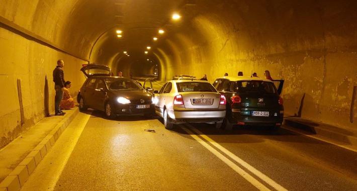 sudar u tunelu vranduk, obustavljen saobraćaj