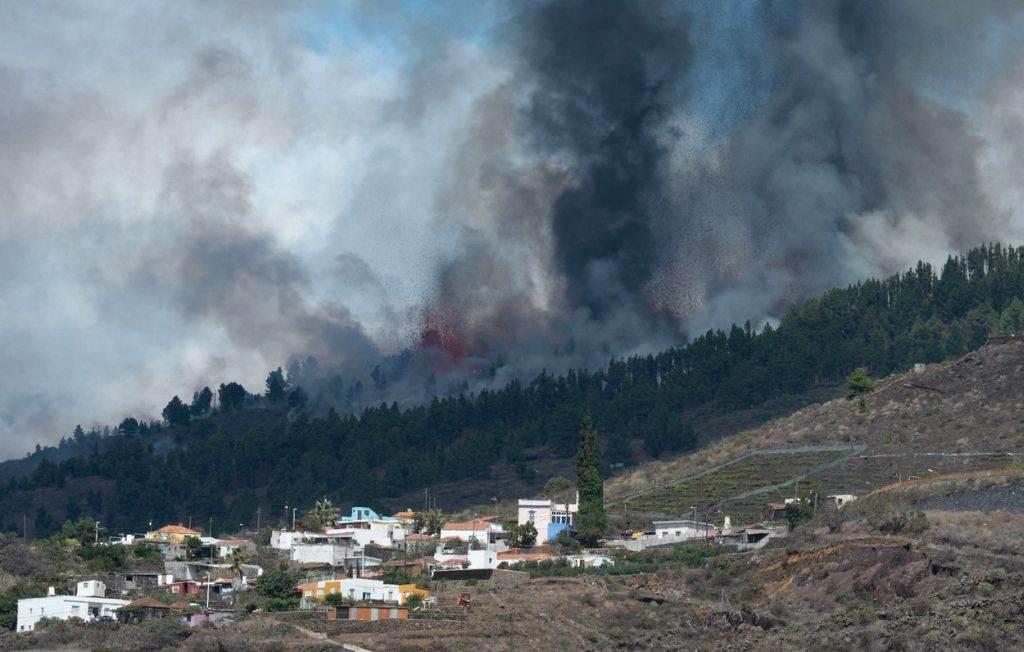 vulkan na kanarskim ostrvima se ne smiruje: rijeka lave nastavlja da uništava španska sela
